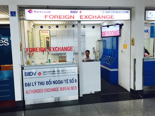 ho chi minh airport - money exchange